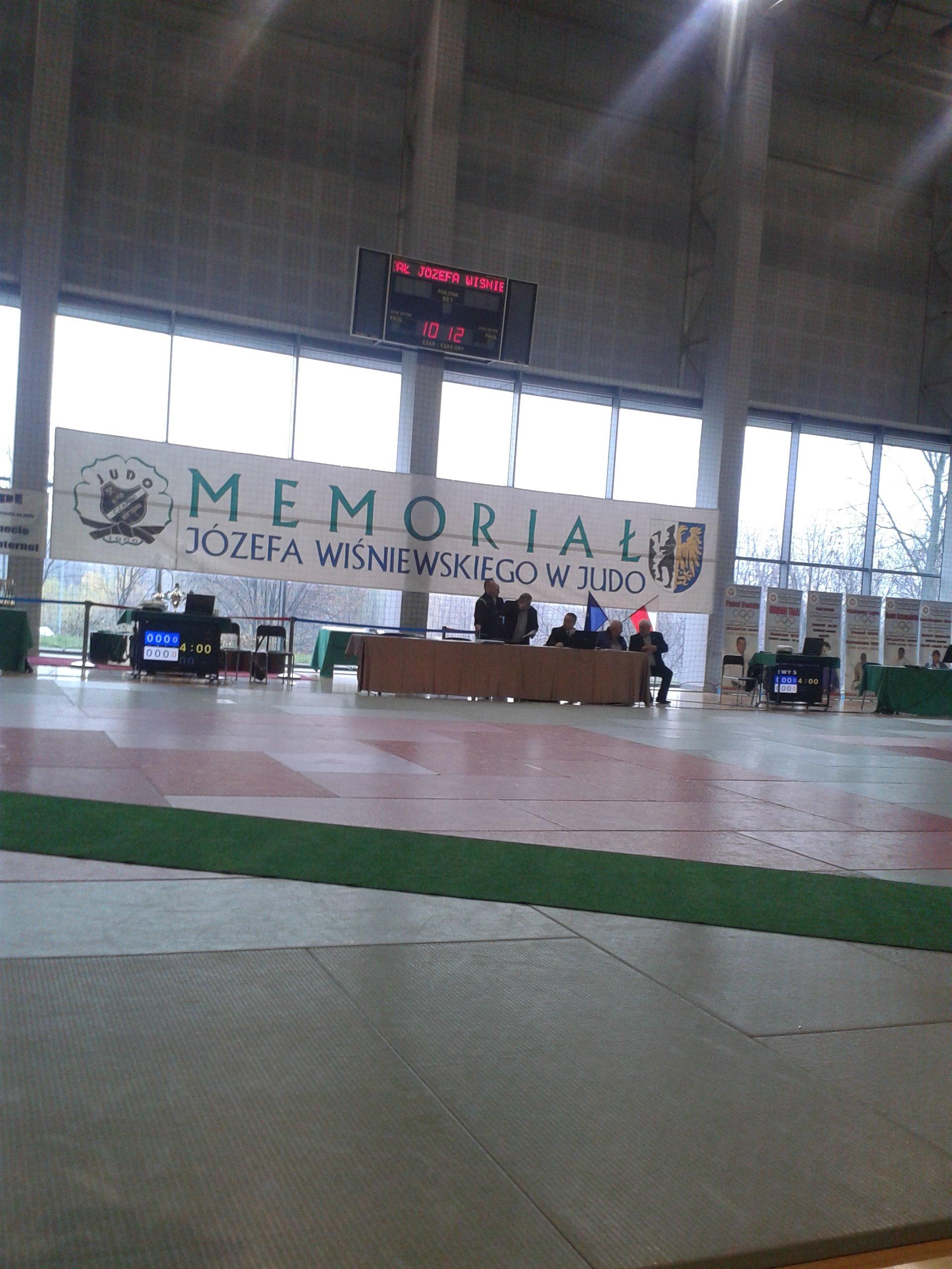 MEMORIAŁ 1